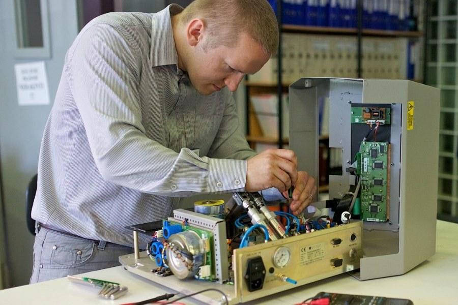 Laboratory-equipment-repair